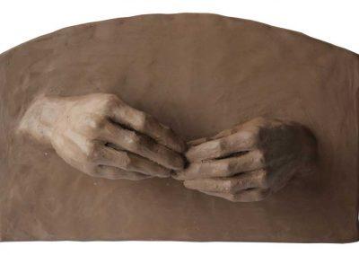 Les mains qui confectionnent - 26,8 x 16,8 cm - terre - © Marie-Pierre Lavallard